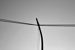 Xtreme tension eleKtric post (M. Martn Gmez) Tags: blackandwhite bw espaa spain nikon minimalism minimalismo