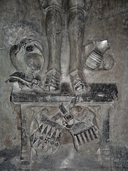 ca. 1500-1515 - 'jonkheer Lybrecht van Meldert, Lord of Meldert, Budingen, Vrolingen and Bombroek (+1484)', Sint-Ermelindiskerk, Meldert, Hoegaarden, province of Flemish Brabant, Belgium (RO EL (Roel Renmans)) Tags: church bench eyes sainte closed belgium tomb gothic bank lord tournament van piece pew heer armour église sire 1500 hoegaarden kerk banc dalle slab effigy haute jonker armadura funéraire tombeau armure rüstung grabmal 1505 1510 libert 1515 1595 grafsteen harnas 1590 ermelindis meldert budingen 1484 écuyer closehelmet sintermelindiskerk jonkheer kerkbank vrolingen grafbeeld joncker ermelinde lybrecht bombroek racourt passegarde