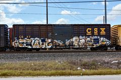 (o texano) Tags: bench graffiti texas houston trains sws d30 ghoul wh freights a2m benching resek