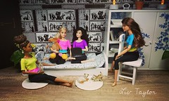 Girltalk (Livia_Taylor) Tags: barbie mtm diorama madetomove