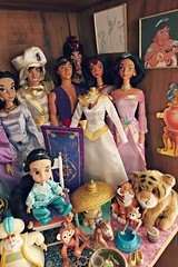 a corner of agrabah (girl enchanted) Tags: film movie toy toddler jasmine ds disney animation sultan aladdin abu rajah mattel disneystore princeali aladdindoll princessjasminedoll jafardoll disneyanimatordoll