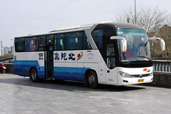 unknown B-14310 (Howard_Pulling) Tags: china camera bus buses photo airport nikon asia photos beijing picture zug trains april cr 2016 pek beijingrailwaystation chinarailways beijingcapital howardpulling d7200