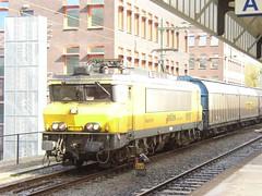 1619 met tr 45752 (21-3-2004) (Martin Verwoert) Tags: 2004 21 cargo trein unit maart hengelo railion locomotief 1619 seelze kijfhoek 45752
