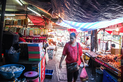 untitled-1511 (cooli_#1) Tags: road street old trip food museum asian thailand temple photography boat ancient asia outdoor bangkok buddhist si sightseeing thai koi bang khun barge chon buri pattaya 2012 racha silom bts sichang thonburi เชียงใหม่ วัด ประเทศไทย thain sukhumwit ดอยสุเทพ earthasia yourbestoftoday พุทธศาสนิชน rathankosin