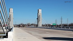 Quiet Spell on the Bridge (zeesstof) Tags: city bridge history architecture river texas waco civilengineering roadbridge brazosriver texashistory zeesstof bridgesonthebrazos