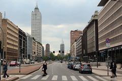 (B Plessi) Tags: milan italia view milano via stazione italie pisani centrale strret