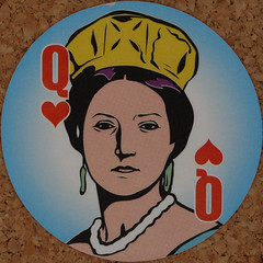 Round Playing Card Queen of Hearts (Leo Reynolds) Tags: playing deck card squaredcircle playingcard carddeck xleol30x