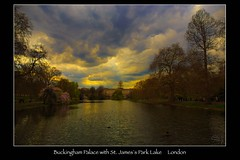 Buckingham Palace_7151003 (vonhoheneck) Tags: park greatbritain england london see royal palace buckinghampalace palast stjames queenelisabeth canoneos6d