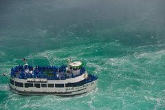 (Karsten Hansen) Tags: travel usa canada water niagarafalls boat waterfall ship outdoor tourist tourists niagaraflle sigma1770mm karstenhansen pentaxk3