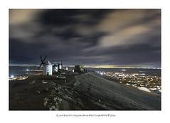 Consuegra (PITUSA 2) Tags: naturaleza noche pueblo paisaje viento toledo cerro cielo nubes estrellas nocturna montaña frio molinos oscuridad castillalamancha consuegra pitusa2 elsabustomagdalena