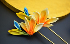 bird of paradise 04 (Bright Wish Kanzashi) Tags: flower yellow handmade silk exotic birdofparadise tsumami cadmium kanzashi customdesign zaiku