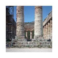 (roberto_saba) Tags: 120 6x6 mediumformat temple kodak 400 sicily portra yashica sicilia segesta yashicamat yashicamat124g yashinon