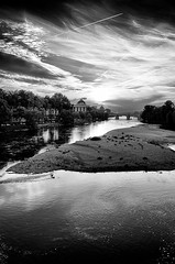 (Vanvan_fr) Tags: city bridge trees sunset sky urban blackandwhite bw france river photo noiretblanc library arbres pont gr tours bibliothque loire sandbank cloudysky fleuve urbain pontwilson theloirevalley
