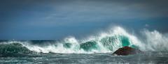 Oleaje (arstxopo) Tags: costa familia rural mar mari cielo habitacin olas rocas