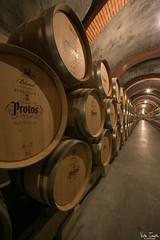 Detalle toneles (undeklinable) Tags: espaa underground spain wine bodega tunnels cellar tuneles vino winecellar protos peafiel