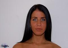 Lorella (zbma Martin Photography) Tags: blue light portrait girl smile dark hair schweiz switzerland licht model eyes swiss teeth spotlight attitude bern positive augen frau lachen zhne charisma dunkle haare blaue lorella einstellung bmpliz portraitfotografie
