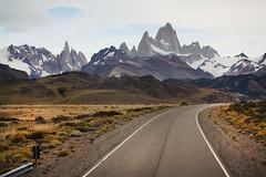 Welcome to El Chalten (Ariadna Sprio) Tags: patagonia paisajes santacruz argentina canon landscapes paisaje elchalten 450d