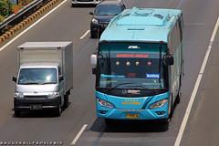 Asli Prima Jetbus HD (BagusRailfans photo) Tags: bus mercedes benz mas body agra jakarta bis hino aptb transjakarta damri bismania primajasa arimbi