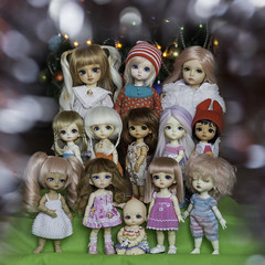 BJD Family 2015 (KnittedBeads) Tags: family pink sleeping baby beads doll dress princess alice nappy tan knit sunny elf cap tiny choo lea benny elin vanilla bjd luts volks soom fairyland bid pio haru popo ayumu lati yosd latiyellow iplehouse knittedbeads rosenlied tyltyl pukifee nappychoo