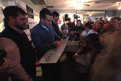 Ted Cruz with supporters (Gage Skidmore) Tags: new ted bus texas tour senator president hampshire victory pizza cruz theo primary meet greet cruzin 2016 theos