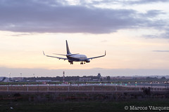 _MVI1983.jpg (Marcos_Vzquez) Tags: sunset plane landscape airport sevilla seville landing boeing ryanair aeropuerto 737 svq winglets aterrizaje 737800