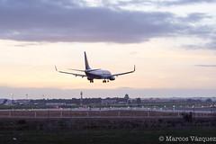 _MVI1983.jpg (Marcos_Vzquez) Tags: sunset plane landscape airport sevilla seville landing boeing ryanair aeropuerto 737 svq winglets aterrizaje 737800