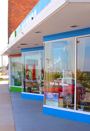 Clay Avenue Storefronts