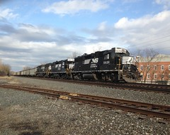Helpers (Fan-T) Tags: ohio ns hudson ge prr norfolksouthern emd