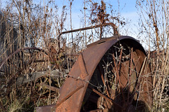 Old equipment (incommune) Tags: abandoned farmhouse rural outdoor decay iowa roadside