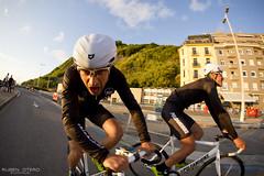 GO!!! (rubenoteroaudiovisual) Tags: men bike bicycle canon cyclist bicicleta biker polo hombre criterium donostia poloandbike