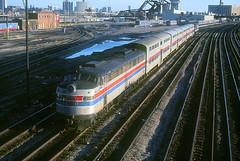 Amtrak E9 414 (Chuck Zeiler) Tags: railroad train amtrak locomotive 414 e9 valpo chz emd