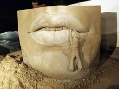 Aan Iemands Lippen Hangen (Sculptures Susanne Ruseler) Tags: anatomy animal animals art creation creations ephemeralart figurative human sand sandsculpture sculpting sculptor sculptures susanneruseler