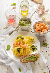 IMG_8740_exp (Helena / Rico sin Azcar) Tags: pasta basil pesto shrimps gambas albahaca