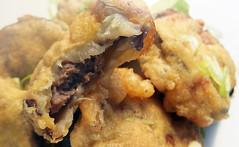 Stuffed aubergine fritter (FotoosVanRobin) Tags: beignet eggplant aubergine deepfried fritter stuffedaubergine stuffedeggplant 椒盐茄饼