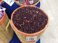 """Tulum: les fleurs d'hibiscus servant à faire de l'agua de Jamaica <a style=""""margin-left:10px; font-size:0.8em;"""" href=""""http://www.flickr.com/photos/127723101@N04/25934707926/"""" target=""""_blank"""">@flickr</a>"""