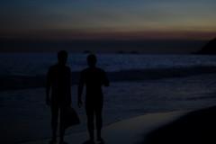 casal surfista (sandnfoam) Tags: sunset sea summer brazil love praia beach brasil riodejaneiro coast mar twilight couple surf rj cidademaravilhosa strangers beachlife prdosol shore sillouette ipanema spontaneous silhueta