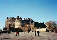 op - edinburgh castle (johnnytakespictures) Tags: greatbritain sun building castle film sunshine architecture pen scott scotland lomo lomography edinburgh fort scottish sunny olympus medieval historic historical british analogue halfframe period ee3 lomographycn400