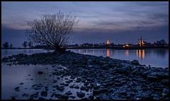 Blue Lagoon,...Gorinchem (@FTW FoToWillem) Tags: city longexposure blue sunset holland tree church nature water netherlands reflections river landscape nikon exposure blauw view outdoor nederland natuur molino shutter bluehour avond reflexion paysbas kerk molen landschap merwede zuidholland reflectie hollande gorinchem rivier mlle sluitertijd ftw avondopname dalem avondfotografie hollanda gorcum holandes mol gorkum dalempoort fotowillem 0183 holande blauweuurtje dalemwal willemvernooy vvvgorinchem