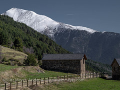 Andorra rural: La Massana, Vall nord, Andorra (lutzmeyer) Tags: pictures mountains primavera nature rural sunrise landscape spring montana dorf village photos natur pueblo abril natura paisaje images berge fotos april landschaft sonnenaufgang unten andorra bilder pyrenees frhling pirineos pirineus paisatge refugi pyrenen imatges poble muntanyes frhjahr bordes vallnord sispony sortidadelsol cortalsdesispony mfmediumformat livingrural lamassanaparroquia lutzmeyer lutzlutzmeyercom picdelacasamanya2740m