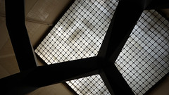 Tony Smoke 02240 (Omar Omar) Tags: california usa art museum la losangeles arte smoke muse ceiling museo humo lacma plafond californie usofa losangelescountymuseumofart losangelesca plafon losngeles tonysmith losngelescalifornia