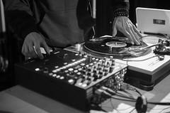 Dj Logilo, S D.J, Mjc Pont des Demoiselles, Toulouse (lyli12) Tags: france monochrome festival soleil nikon dj noiretblanc expression culture toulouse scratch mjc artiste turntablism hautegaronne midipyrnes vinyle platine mixage mapcu d7000 stolosa
