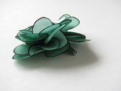 Little silk rose hair snap pin - emerald green and black (simutes) Tags: sea baby green silk emerald hairpin seafoam silkpainting babyhair seagreen emeraldgreen hairaccessory snappin naturalsilk