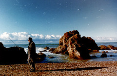 Gennaio 2016 - Livorno - Scoglio della Ballerina (Nechator) Tags: sea walter sky color beach analog mare colore pentax scan mochi acqua colori analogica pescatore esterni pellicola waltermochi