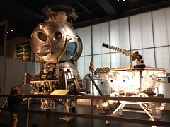 Lunar landing module & buggy (Inkysloth) Tags: london industry museum technology space astronaut science cosmos sciencemuseum cosmonaut spacescience