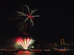 fireworks of odaiba 2015 (manabu kato) Tags: longexposure tokyo fireworks sigma olympus odaiba rainbowbridge 19mm yakatabune epm2