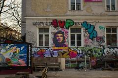 Viva la Resolucion (ellyoracle77) Tags: streetart berlin raw mosaic meta twist revolution resolution pixels friedrichshain cheguevara pixelated warschauerstrasse rawgelnde reichsbahnausbesserungswerk