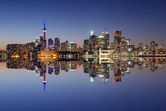 Skyline Toronto (Alberto Cicchino) Tags: toronto canada skyline cn nikon ray torre master lee acqua isola riflesso 2470 filtri