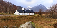 _19A9763 (ianto5) Tags: snow black mountains rock scotland cottage capped