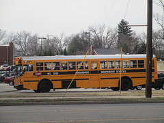 2005 IC RE - Owensboro Independent 1305 (Seasonal Spectacular) Tags: schoolbus owensboro icre owensboroindependent