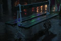 Amoureux de banc humide (Pi-F) Tags: paris public rain night pluie 100v10f nuit banc clairage stphotographia